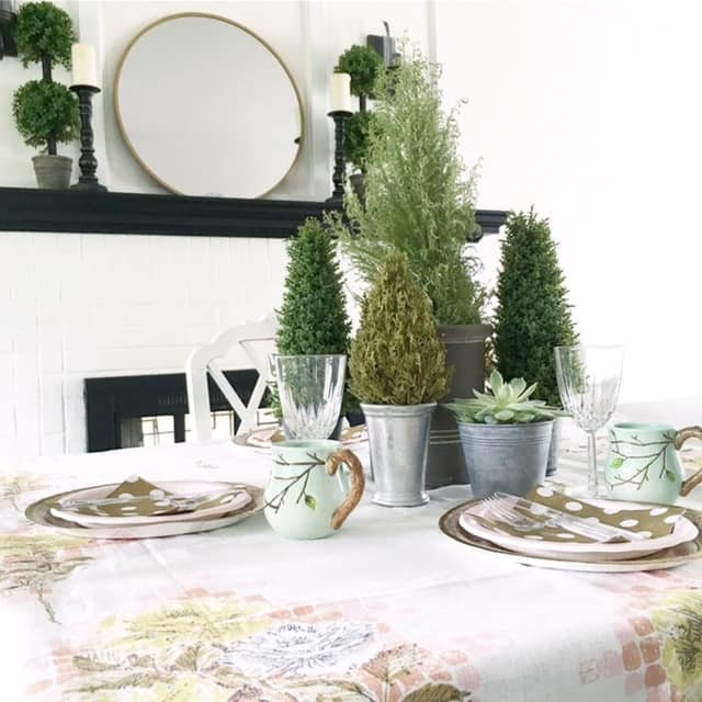 Cheap Easter Tablescapes